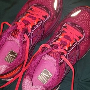 Womens Brooks, Ghost size 7.5